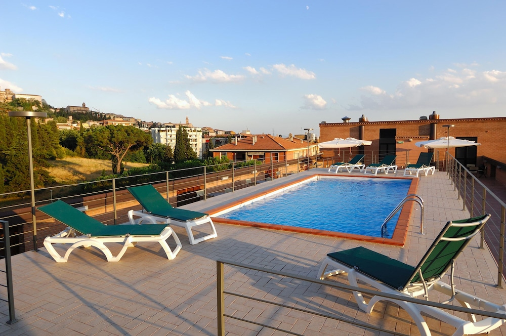 Rooftop Pool, Hotel Giò Wine e Jazz Area