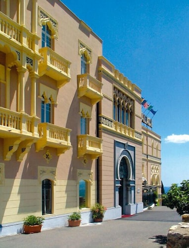 Excelsior Palace Hotel 2017 Room Prices, Deals & Reviews. Zibo Wanjie International Hotel. Bay Of Many Coves Resort. Resort Costa Brasilis. Stirabout Lane B And B Hotel