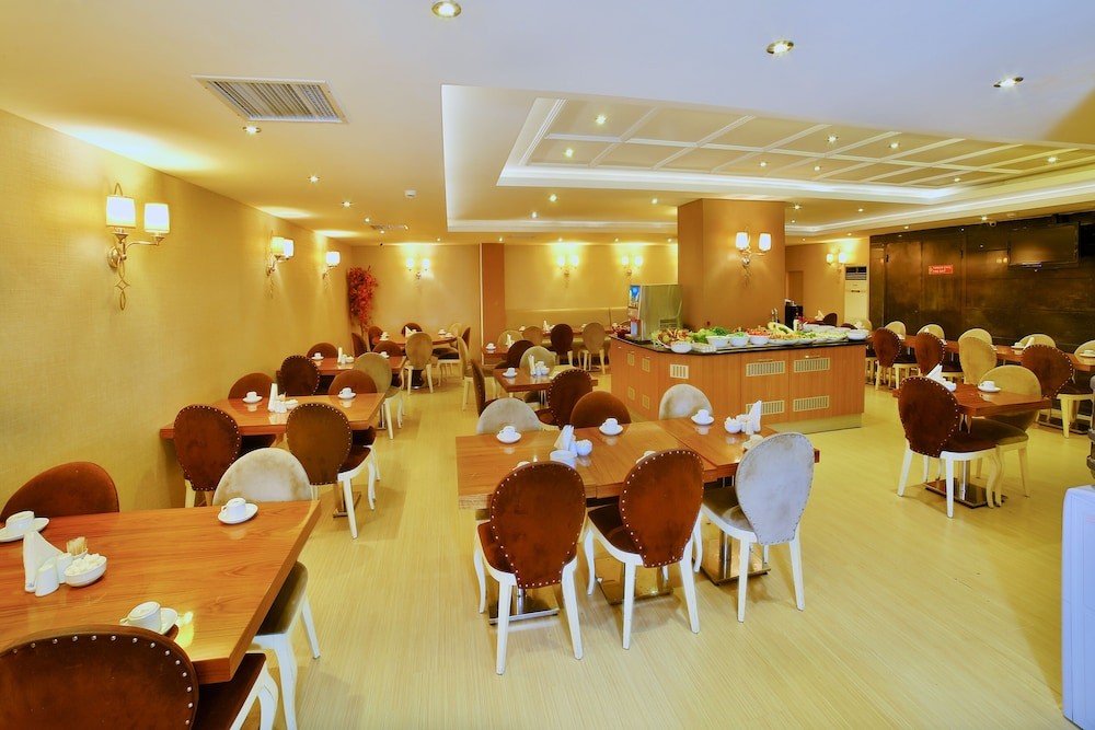 Meeting Facility, Hotel Grand Emin