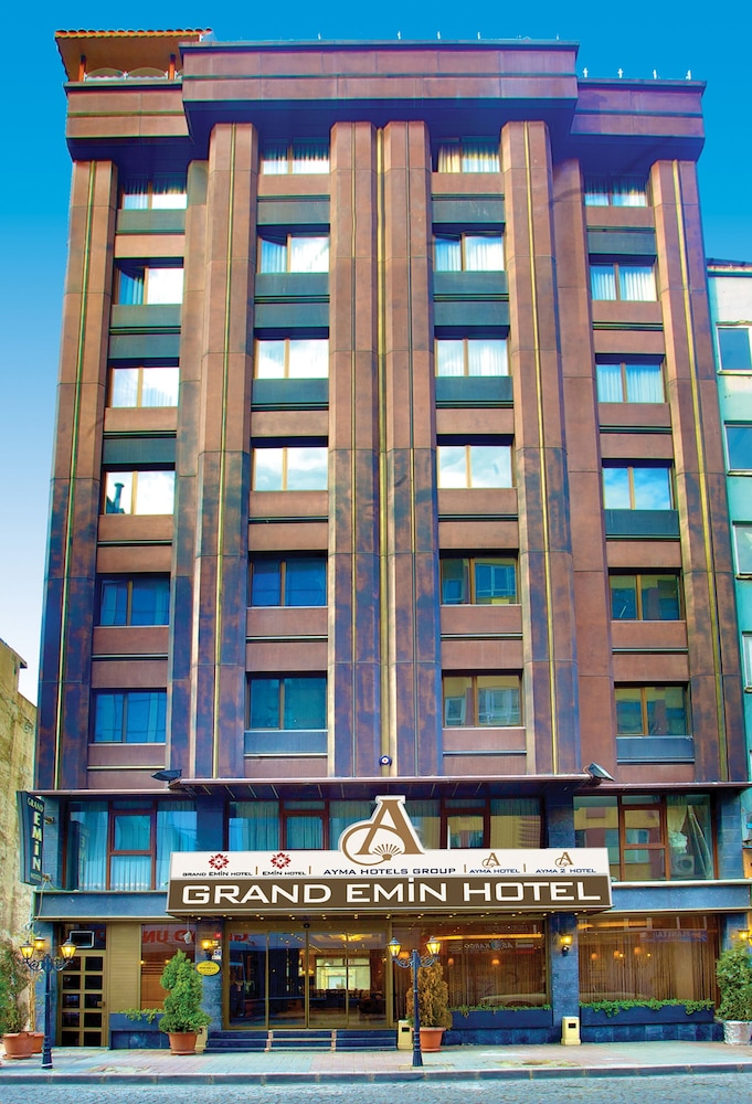 Front of Property, Hotel Grand Emin