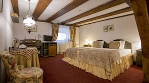1 makuuhuone, minibaari, tallelokero huoneessa, työpöytä