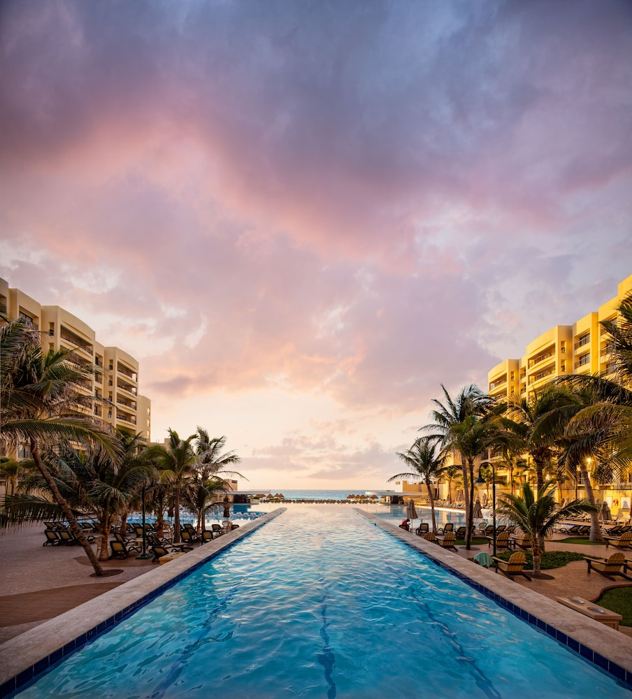 Pool, The Royal Sands Resort & Spa All Inclusive