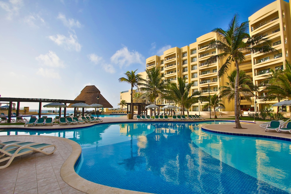 Outdoor Pool, The Royal Sands Resort & Spa All Inclusive