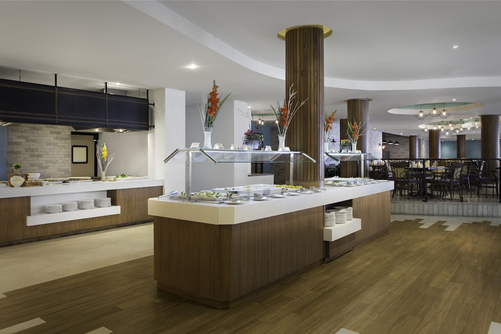 Restaurant, The Royal Sands Resort & Spa All Inclusive