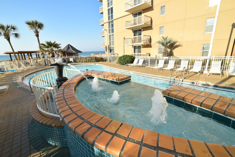 Outdoor Pool, Pelican Beach Resort & Conference Center