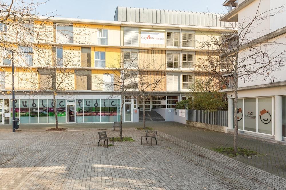 Book city r sidence bordeaux centre bordeaux hotel deals for Residence bordeaux