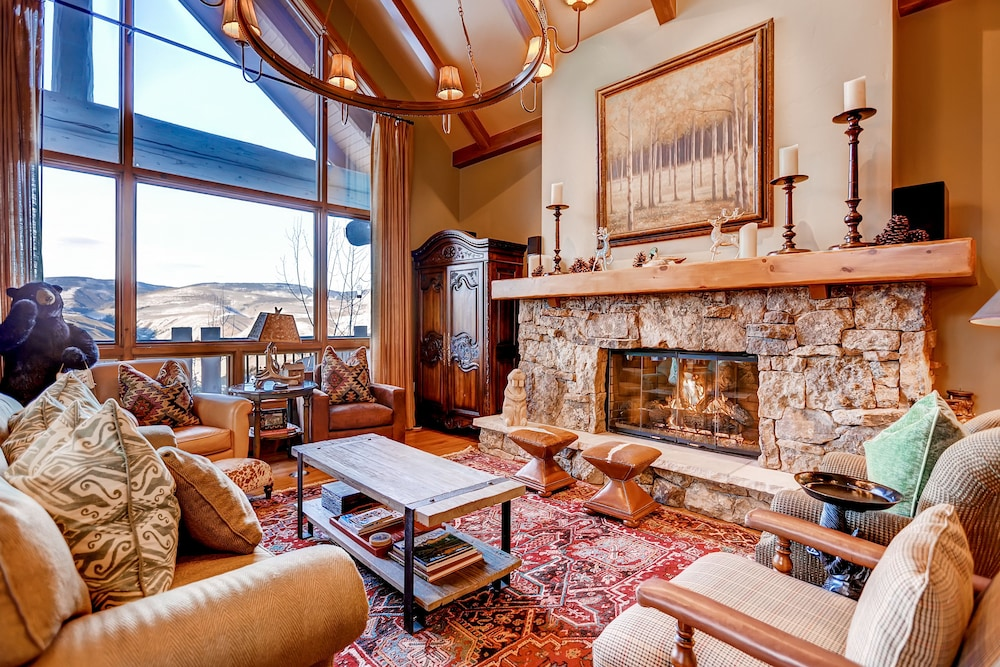 Living Area, Bachelor Gulch Village