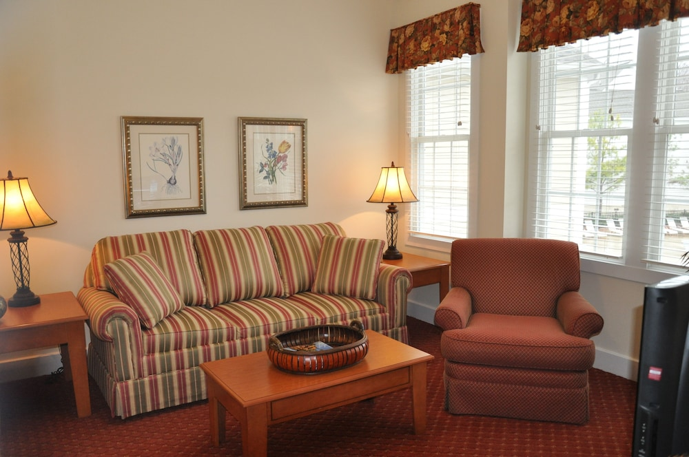 Living Area, King's Creek Plantation