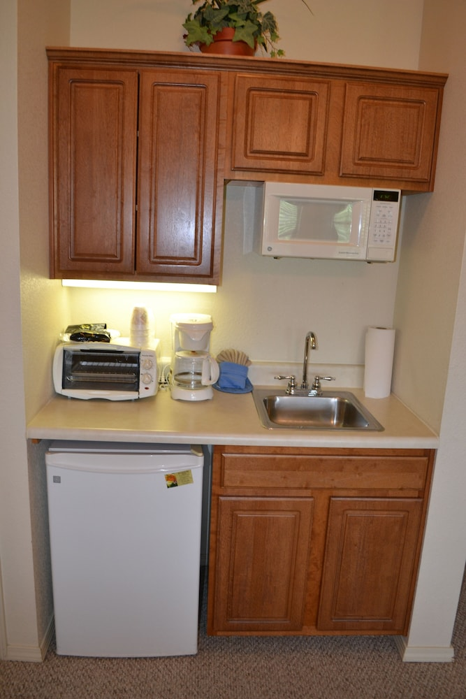 Private Kitchenette, StoneBridge Resort