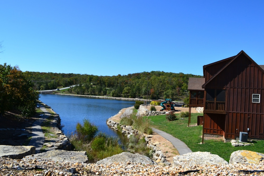 Lake, StoneBridge Resort