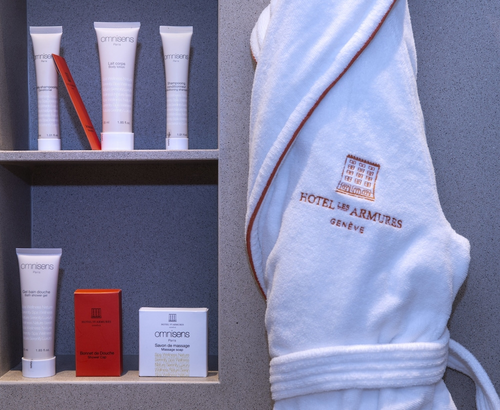 Bathroom Amenities, Hôtel Les Armures