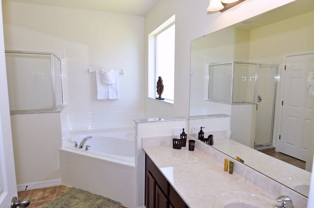 Private Spa Tub, Homes4uu Vacation Homes Orlando