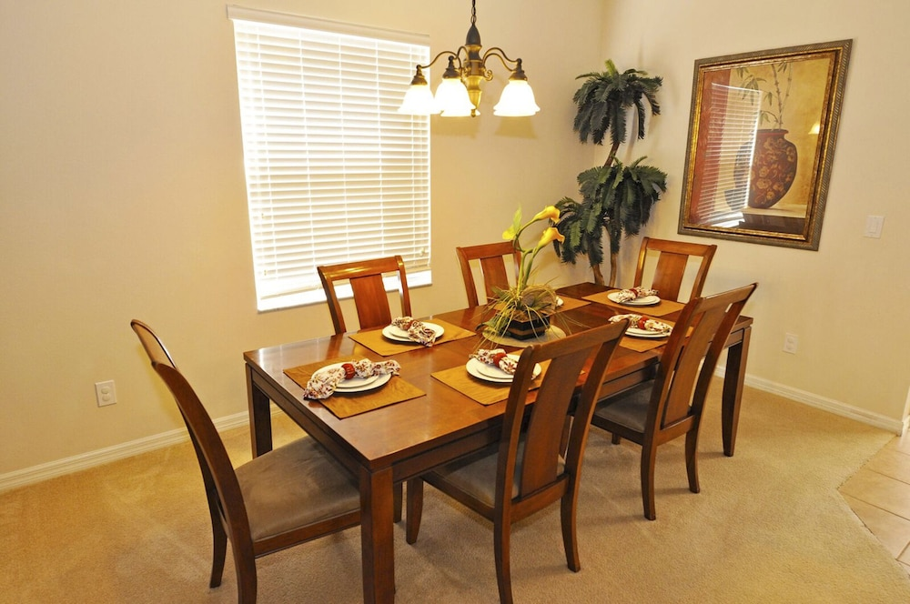 Dining, Homes4uu Vacation Homes Orlando