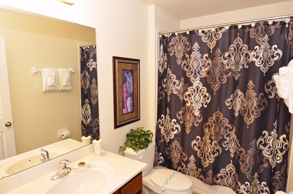 Room Amenity, Homes4uu Vacation Homes Orlando