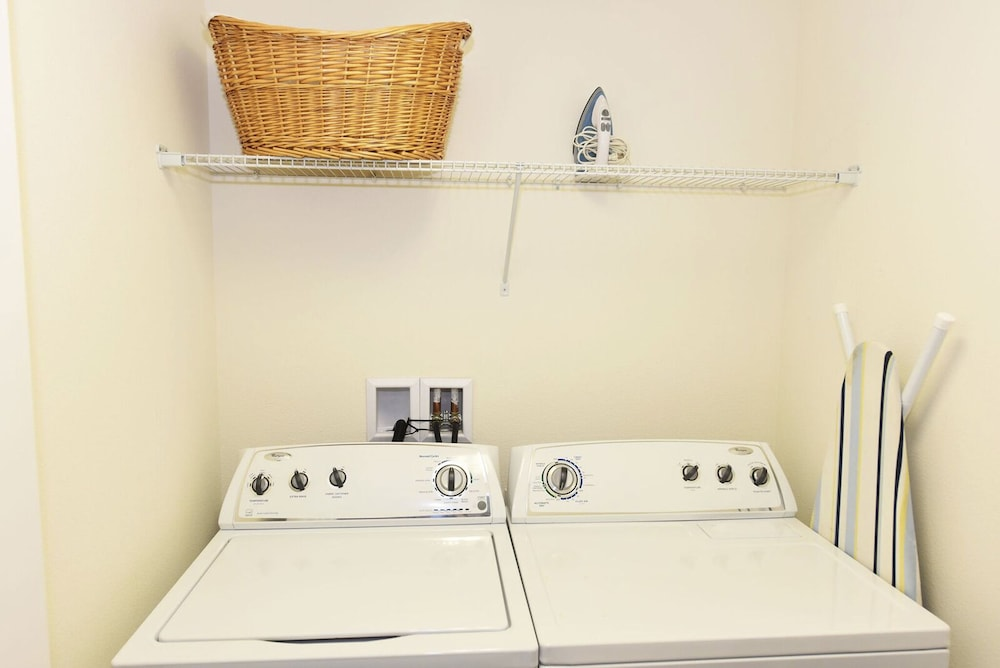 Laundry Room, Homes4uu Vacation Homes Orlando