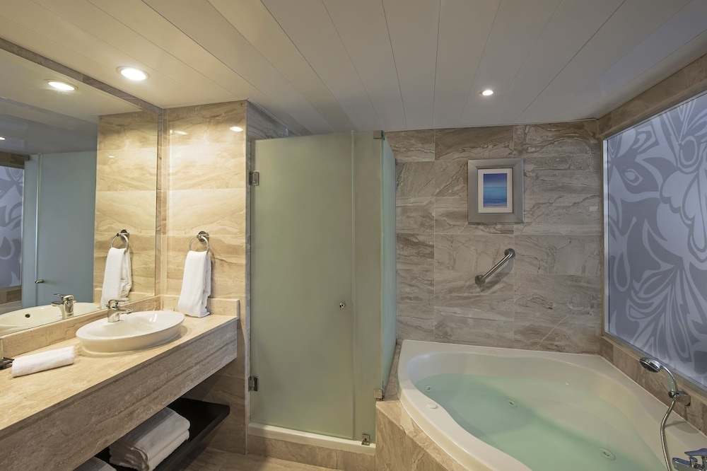 Bathroom, Ocean Blue & Sand Beach Resort - All Inclusive