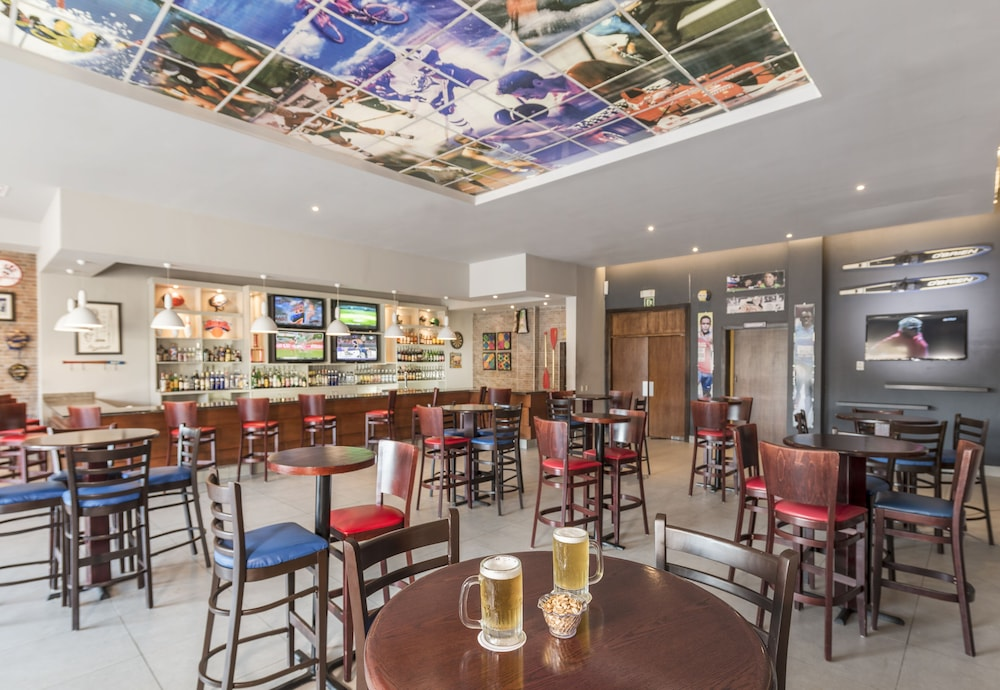 Sports Bar, Ocean Blue & Sand Beach Resort - All Inclusive