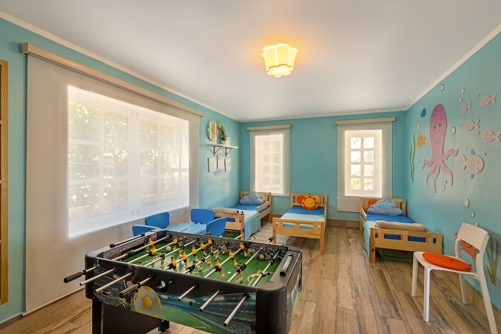 Game Room, Ocean Blue & Sand Beach Resort - All Inclusive