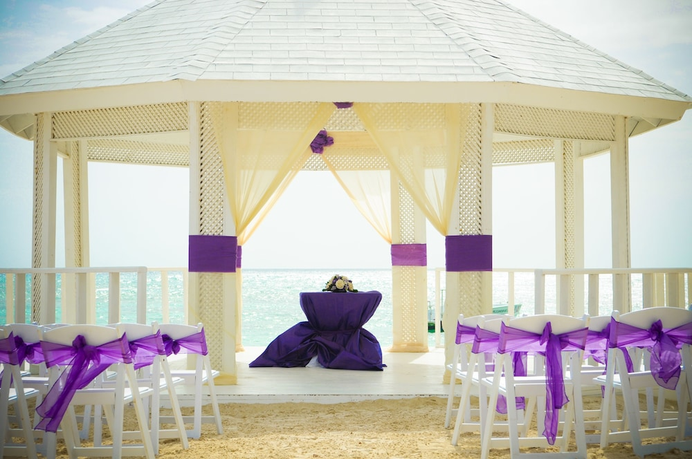 Outdoor Wedding Area, Ocean Blue & Sand Beach Resort - All Inclusive