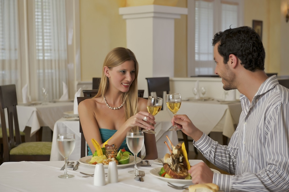 Couples Dining, Ocean Blue & Sand Beach Resort - All Inclusive