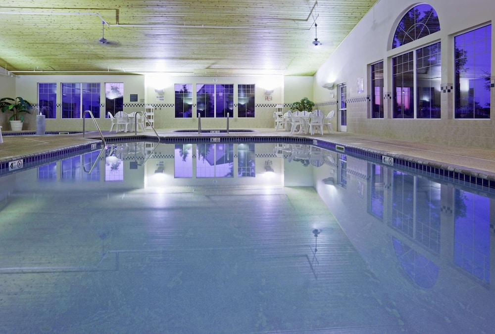 Indoor Pool, Country Inn & Suites by Radisson, Albertville, MN