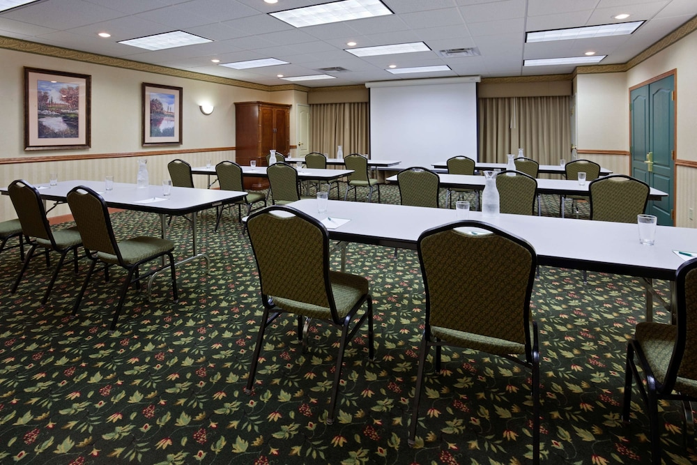 Meeting Facility, Country Inn & Suites by Radisson, Albertville, MN