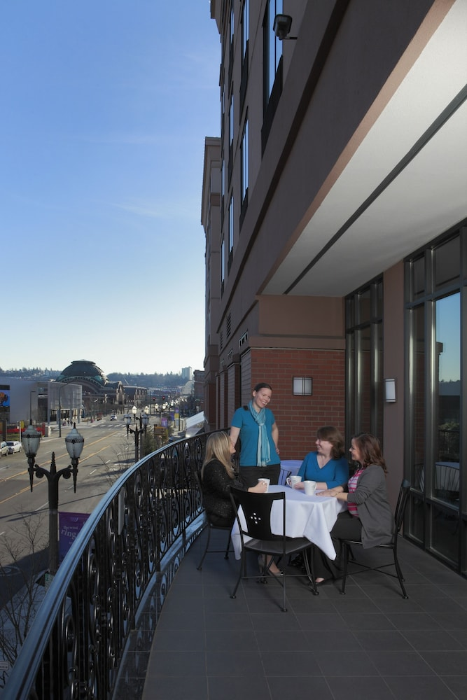 Outdoor Dining, Courtyard by Marriott Tacoma Downtown