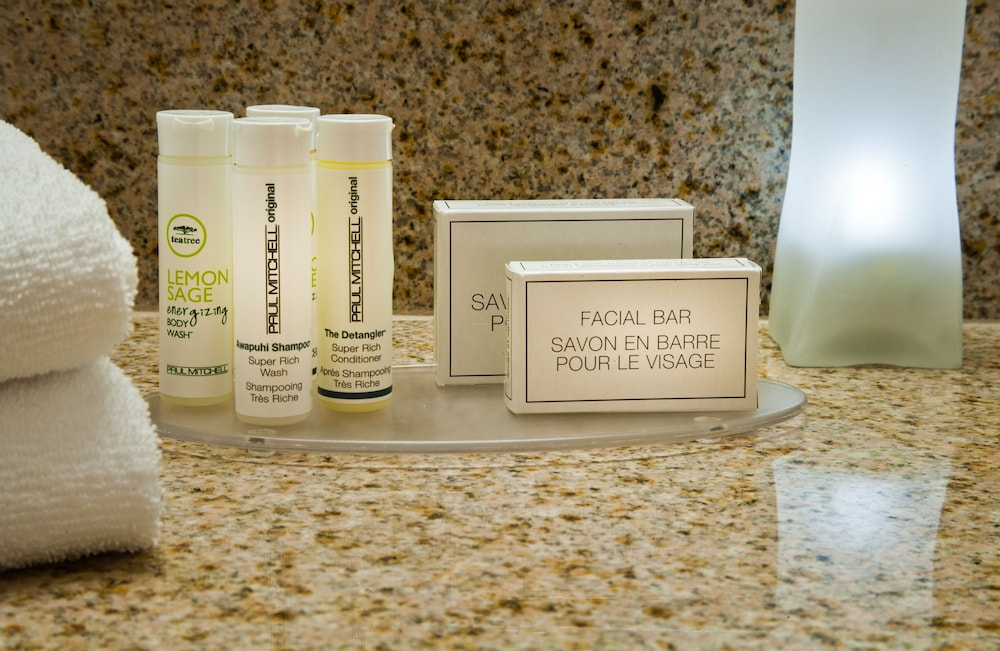 Bathroom Amenities, Courtyard by Marriott Tacoma Downtown