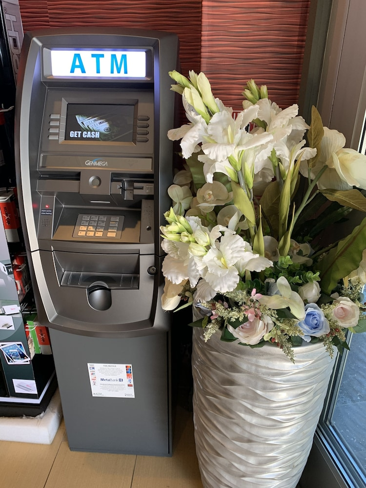 ATM/Banking On site, Red Carpet Inn Elmwood Park