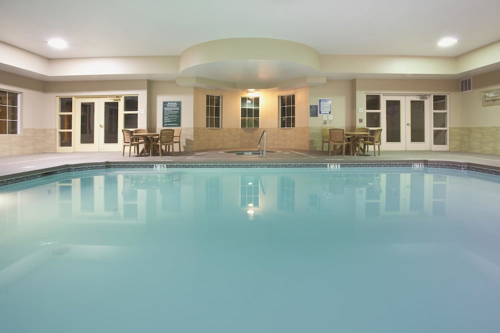 La Quinta Inn Suites Albuquerque Midtown In Albuquerque Hotel Rates Reviews On Orbitz
