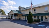 Douglas Inn And Suites - Cleveland Hotels