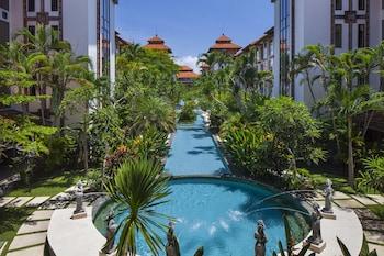 バリ島のプティトゥンゲット通りへ行くのに便利なホテルを教えてください!