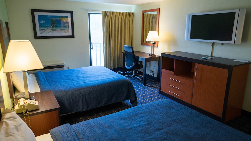 Book Mariner Motor Lodge West Yarmouth Hotel Deals