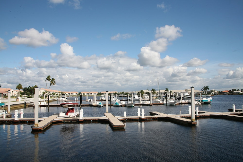 Marina, Port of the Islands Everglades Adventure Resort