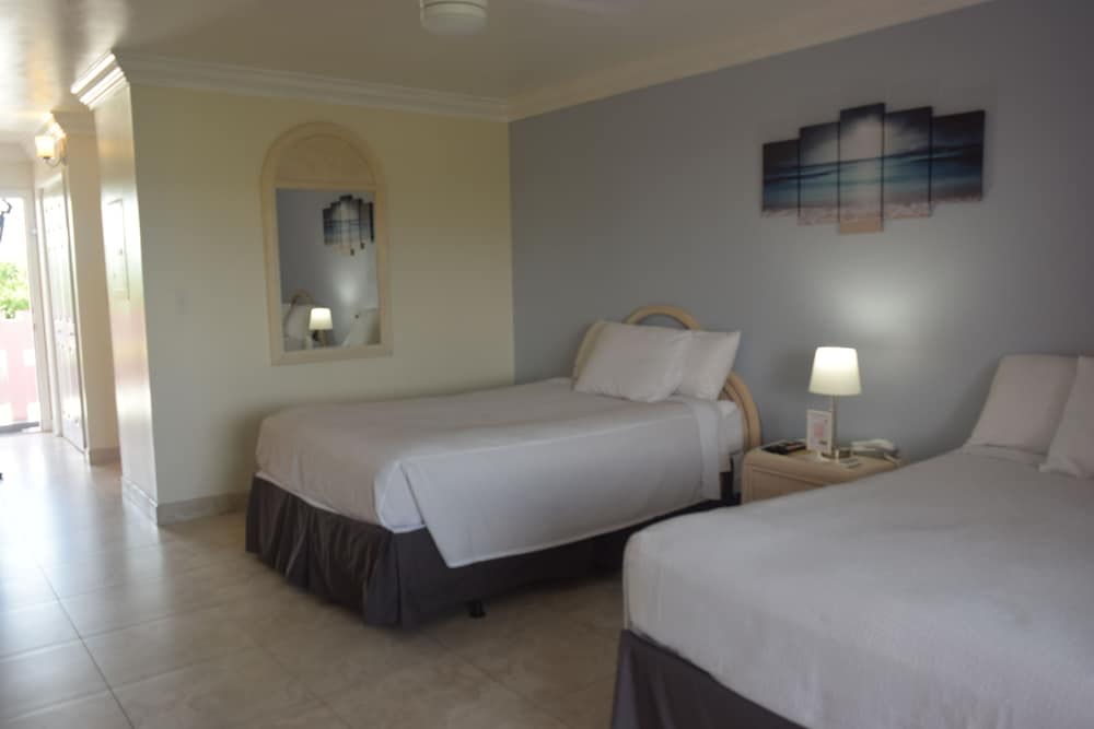 Room, Bell Channel Inn Hotel & Scuba Diving Retreat