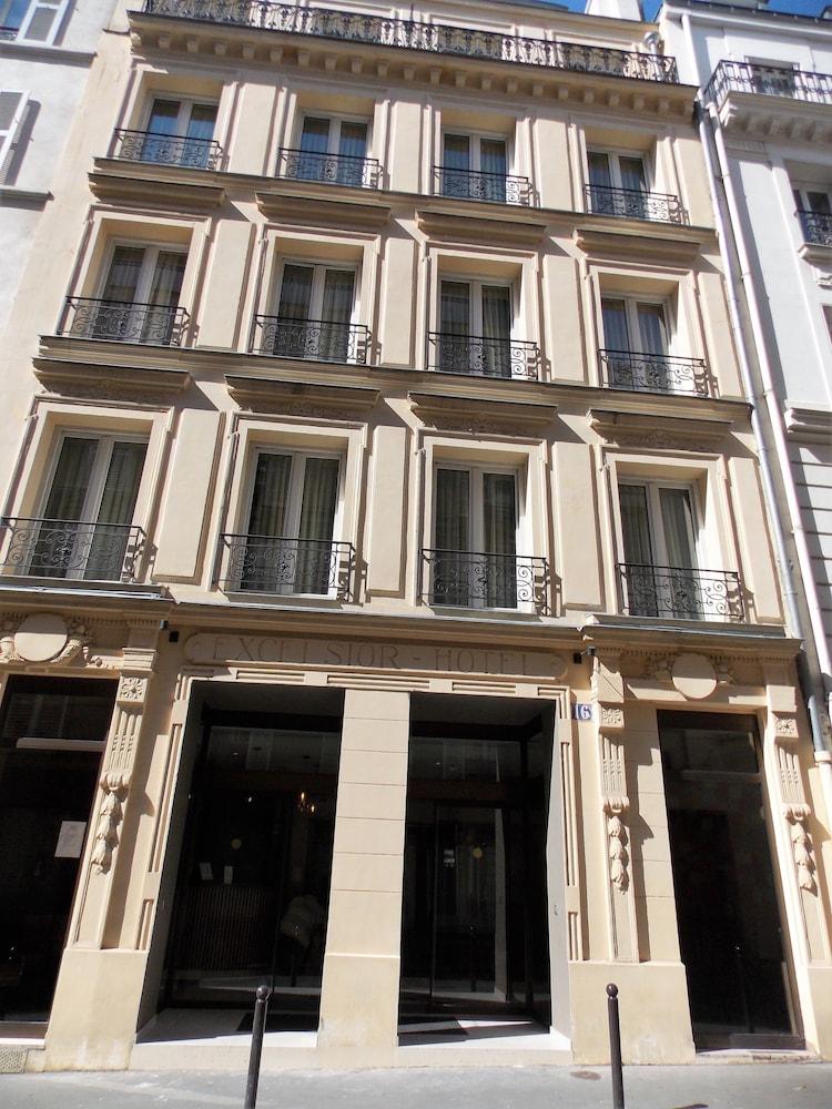 Hotel excelsior batignolles deals reviews paris fra for Deal hotel france