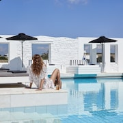 Mr & Mrs White Paros