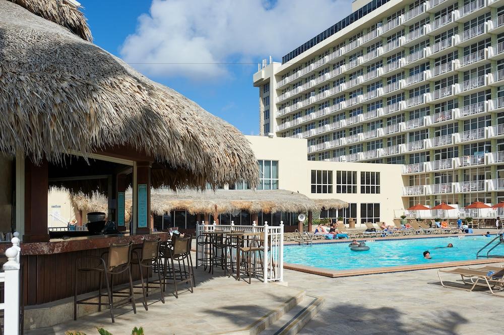 Newport Beachside Resort 2019 Room Prices 107 Deals
