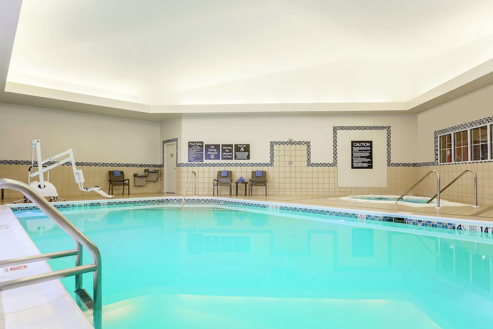 Pool, Homewood Suites Melville