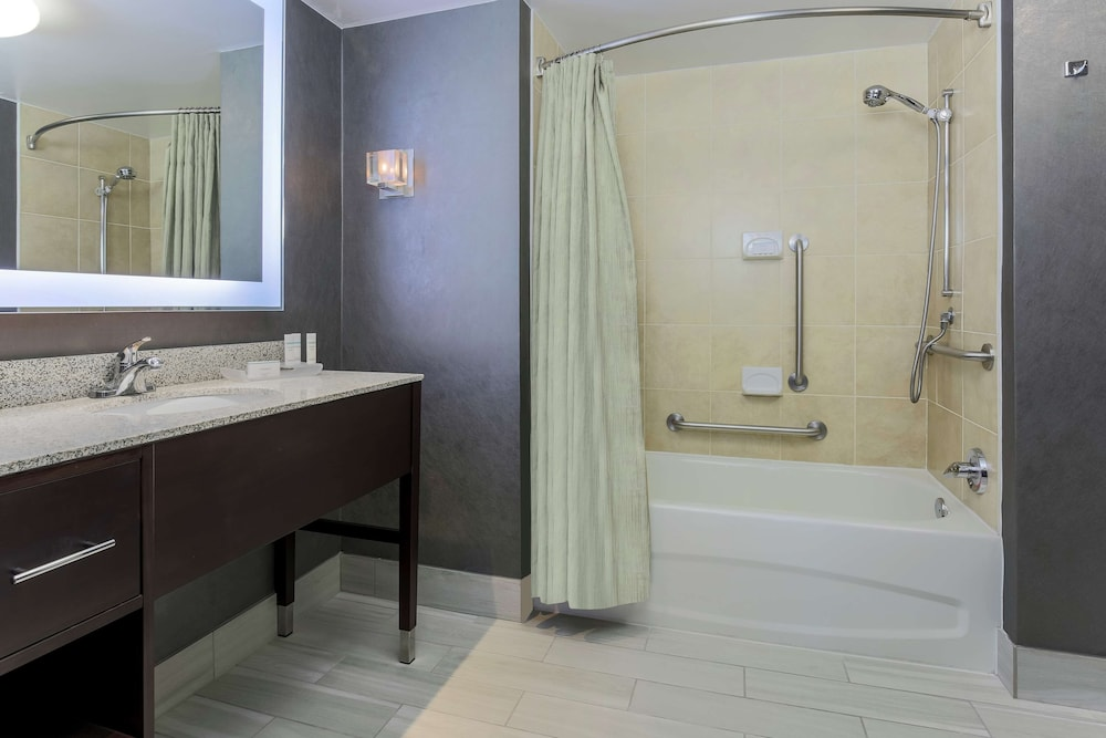 Bathroom, Homewood Suites Melville