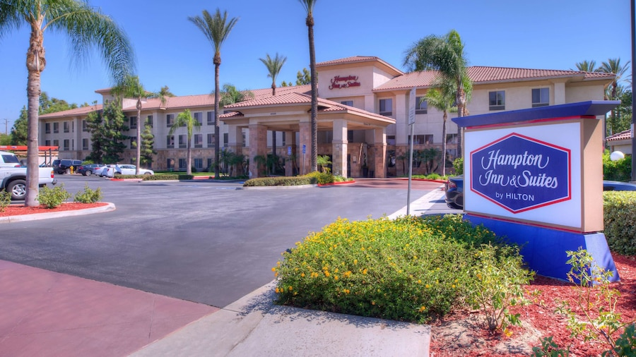 Hampton Inn & Suites Ontario
