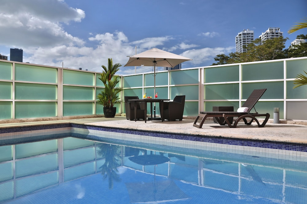 Pool, Courtyard by Marriott Panama Multiplaza Mall