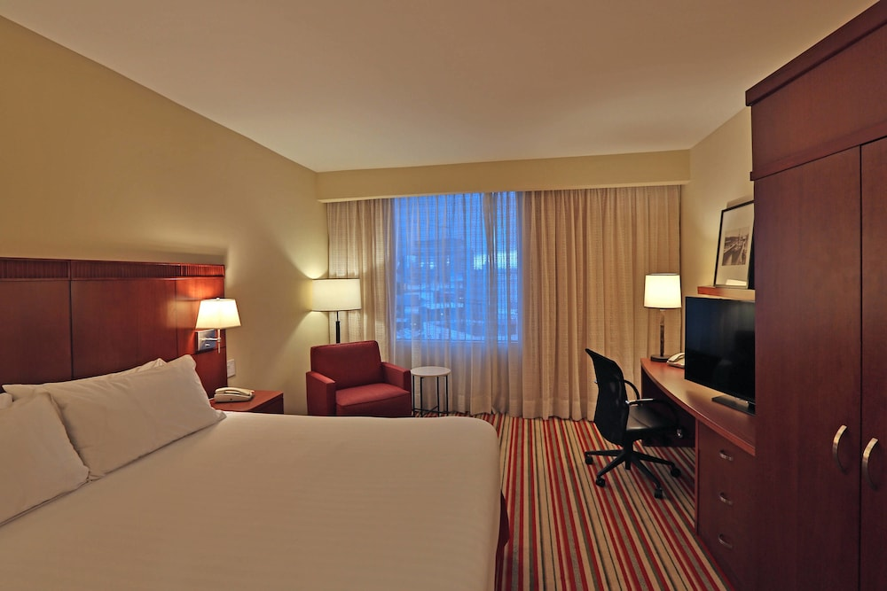 Room, Courtyard by Marriott Panama Multiplaza Mall