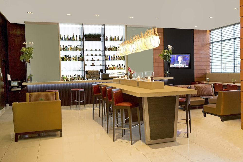 Bar, Courtyard by Marriott Panama Multiplaza Mall