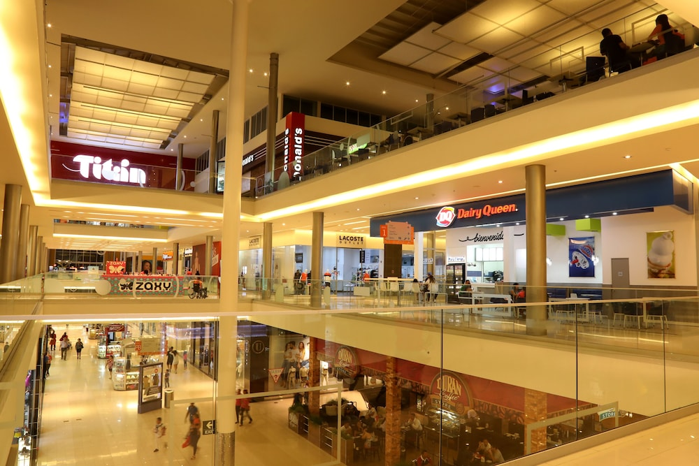 Shopping mall, Courtyard by Marriott Panama Multiplaza Mall