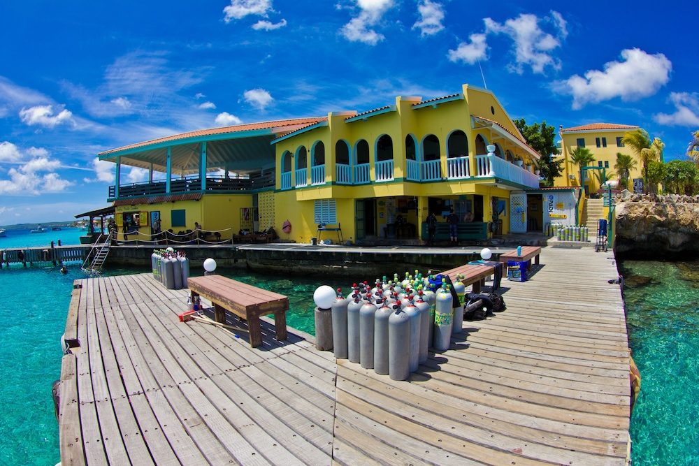 Buddy dive resort deals reviews kralendijk bes wotif - Bonaire dive resorts ...