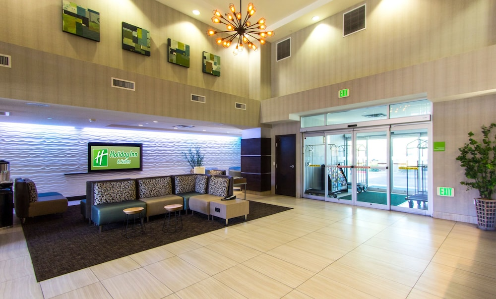 Lobby, Holiday Inn Hotel & Suites Scottsdale North - Airpark, an IHG Hotel