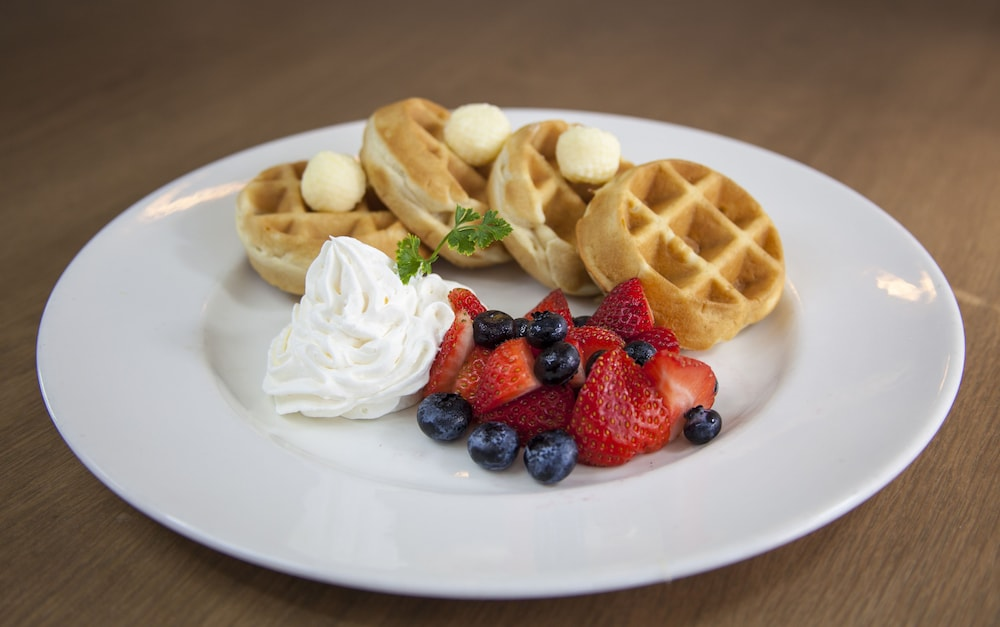 Breakfast Meal, Holiday Inn Hotel & Suites Scottsdale North - Airpark, an IHG Hotel
