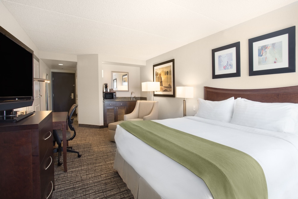 Room, Holiday Inn Hotel & Suites Scottsdale North - Airpark, an IHG Hotel