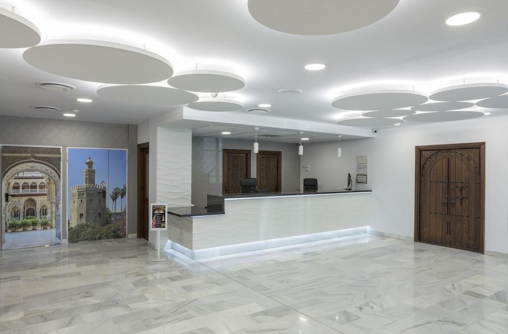 Recepción hotel bellavista sevilla